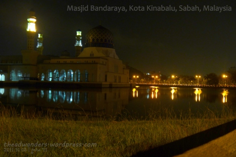 Masjid Bandaraya at night
