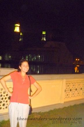 Sally and the (indistinguishable) Masjid Bandaraya
