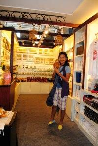 Royal Selangor Souvenir Shop inside Yayasan
