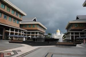 Yayasan Shopping Complex