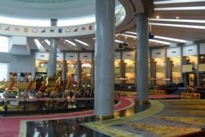 Brunei-Royal-Regalia-Museum-Lobby.jpg