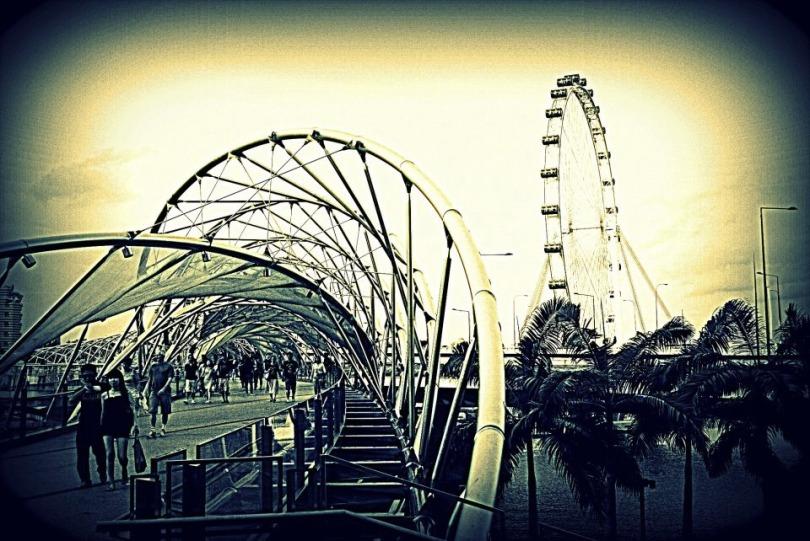 Helix-Bridge-and-Singapore-Flyer.jpg
