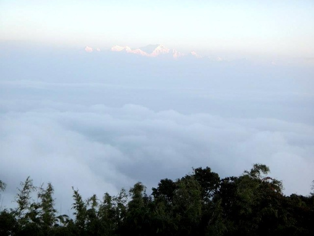 FotoFolio Darjeeling Kanchenjunga Mountain at Sunrise