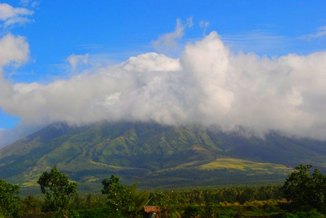 Mayon Volcano and Cagsawa Ruins - Clouds