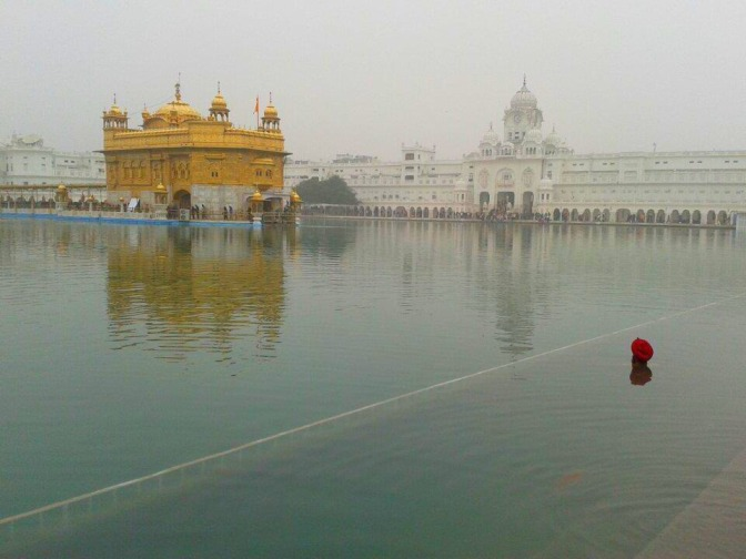 Entering the Sikh's Heaven (Golden Temple, Amritsar, Punjab)
