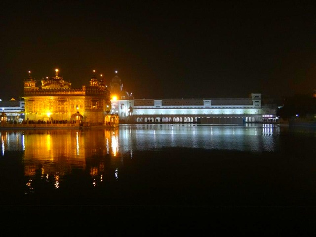 Amritsar - Golden Temple Right