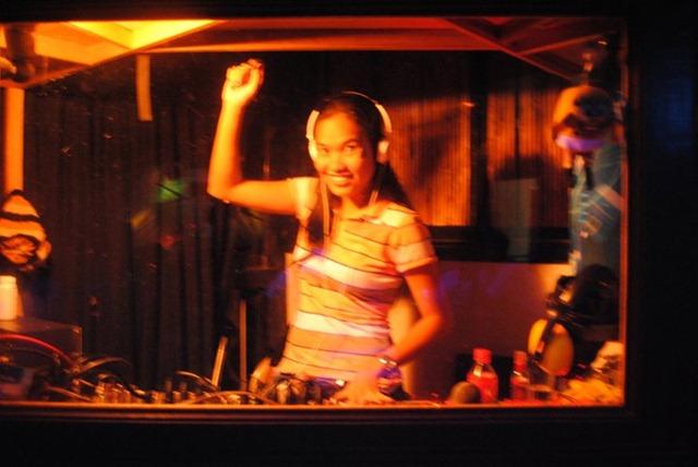 Day's Hotel - DJ RandR