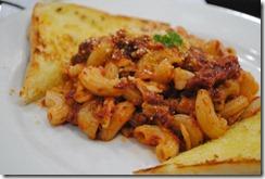 Day's Hotel Tagaytay - Merienda - Baked Mac and Garlic Bread