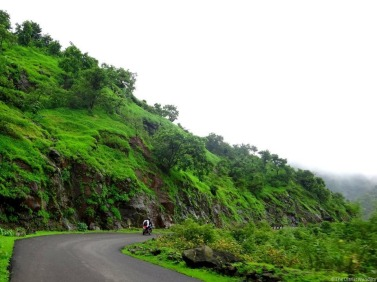 My-25th-in-Travel-August-Mahabaleshwar-Monsoon-Masti.jpg