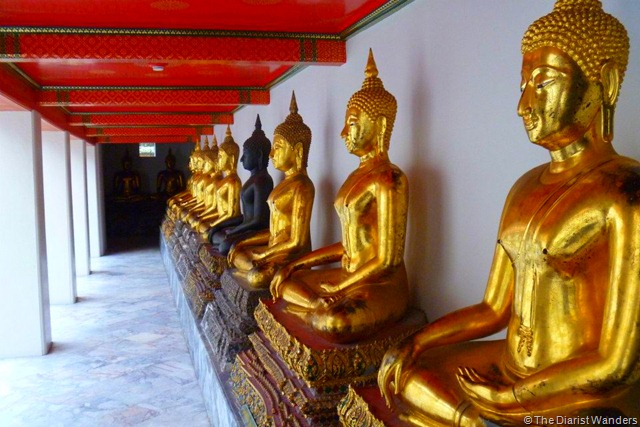 Backpacking SEA - Bangkok - Sitting Buddhas at Wat Pho complex