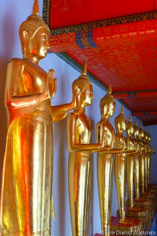 Backpacking SEA - Bangkok - Standing Buddhas at Wat Pho Complex