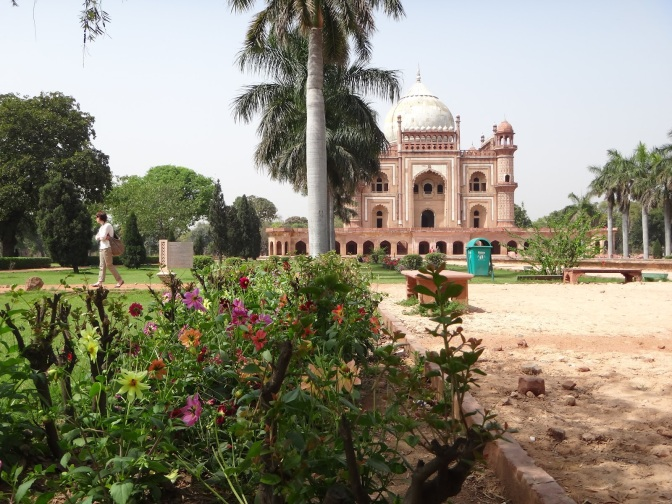 Reblogged: Safdarjang Tomb – from mistake to majesty