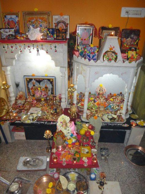 Ratnas Neighbors Altar