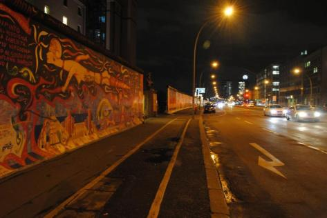 Fotofolio - Stretch of Berlin Wall